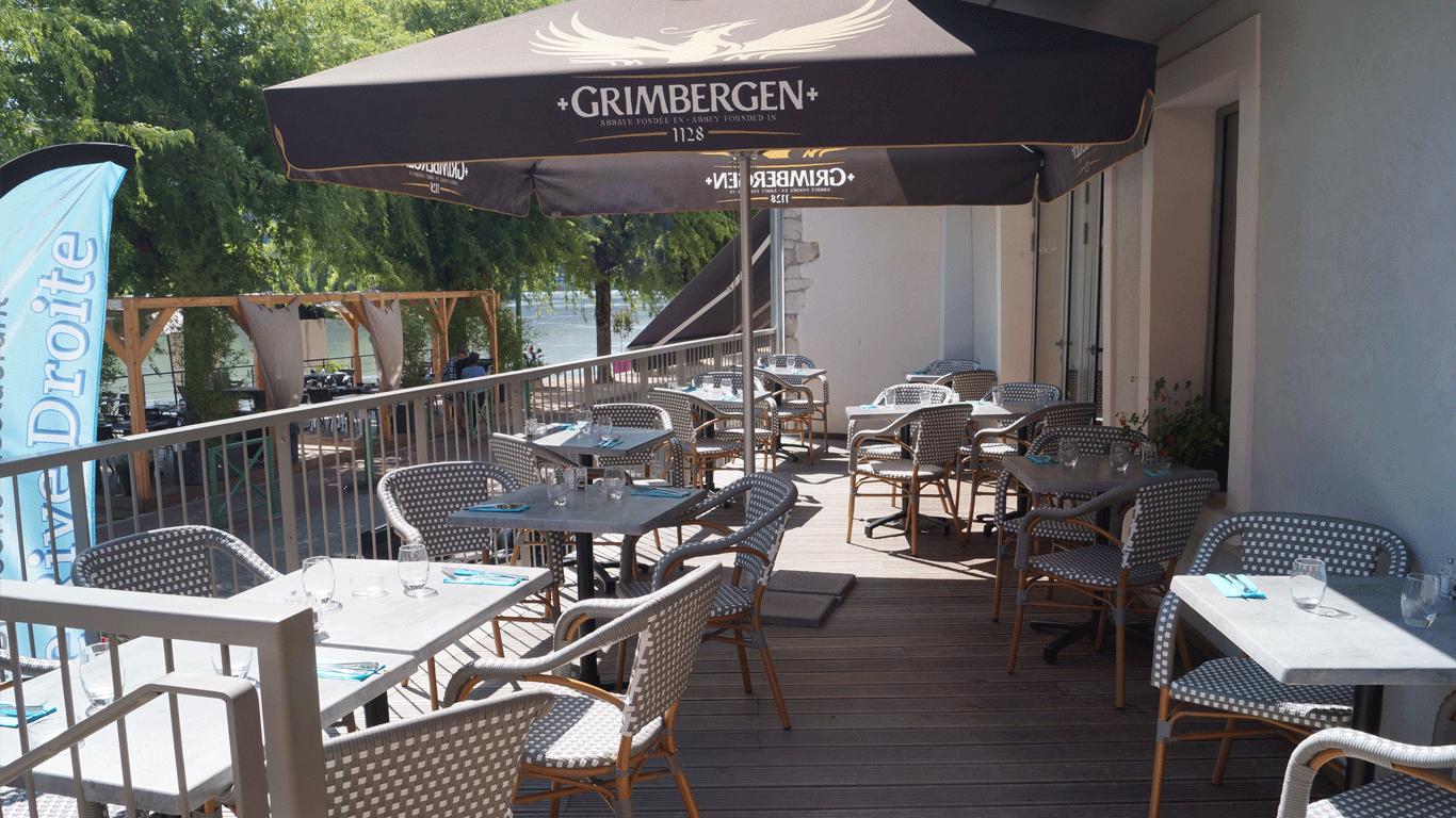 Terrasse cosy de l'hotel du rhone seyssel